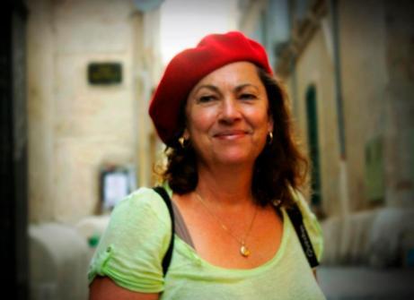 Author Liza Perrat