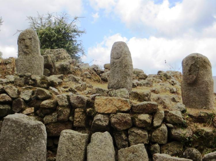 Filitosa - menhirs