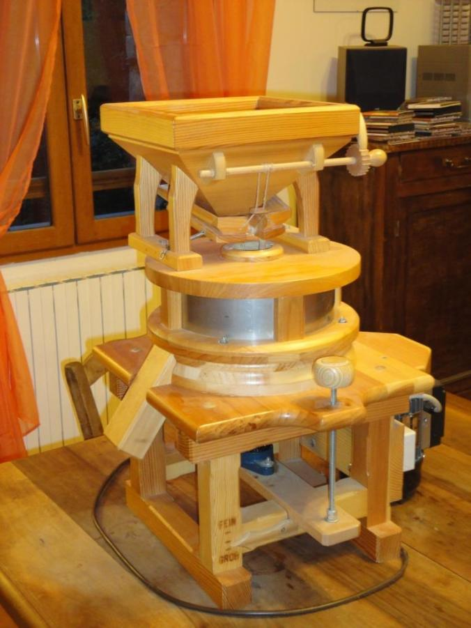 Portable chestnut mill