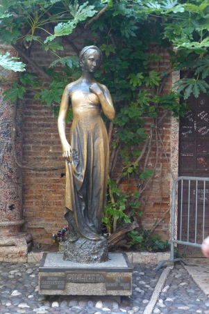 Statue of Juliet in Verona, setting of the Bard's and the Barnard's literary efforts