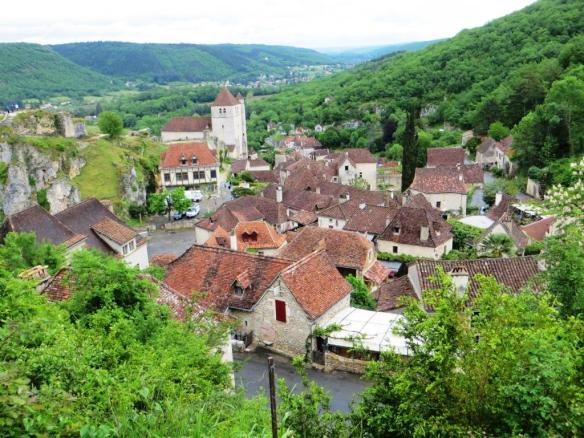 Saint-Cirq-Lapopie - view of village from above